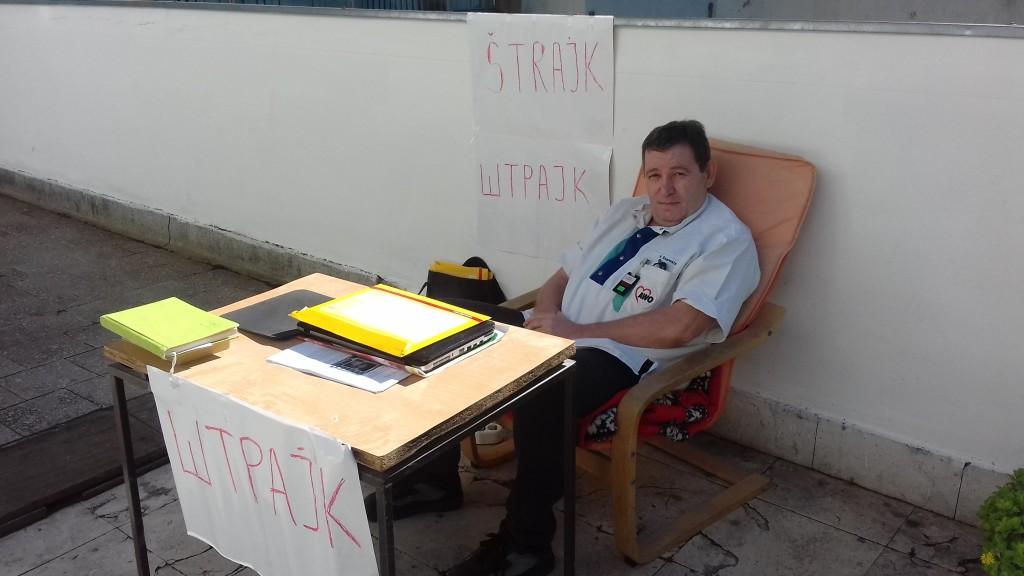 Strajk gladju