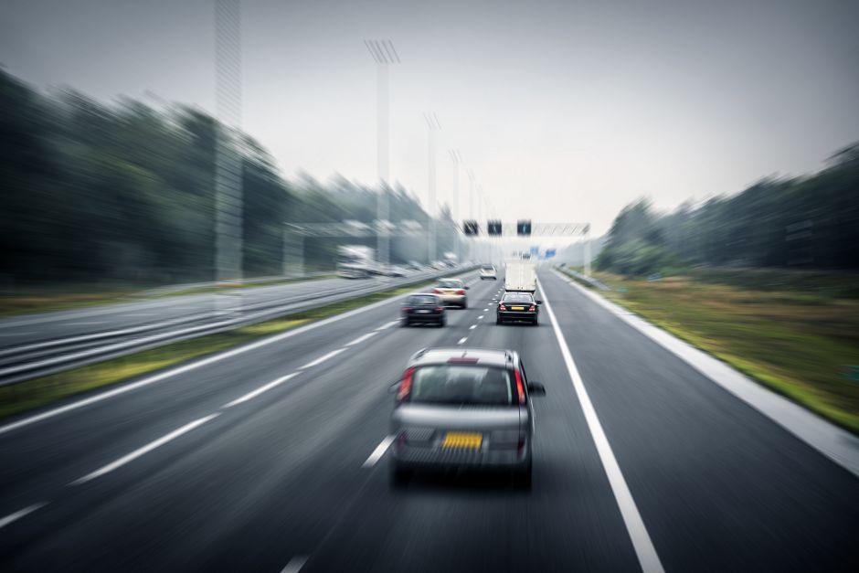 brzina, autoput, auto put, automobili, vožnja
